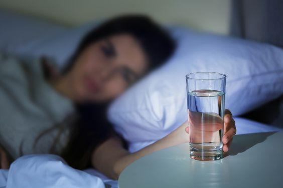 sleep,sommeil,eau,boisson,hydratation,soin,santé,bien-être,relaxation,