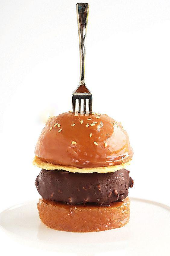 burger, glacé, chocolat, icecream, vanille, pain, bun, caramel, sweet, summer, été, plaisir, saveurs, glace,