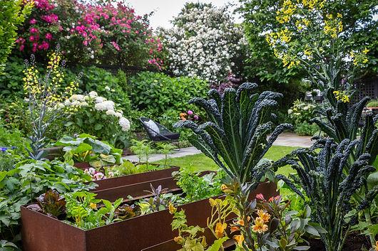 Corten vegetable planters