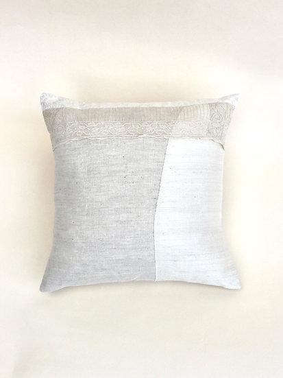 Isla Pillow