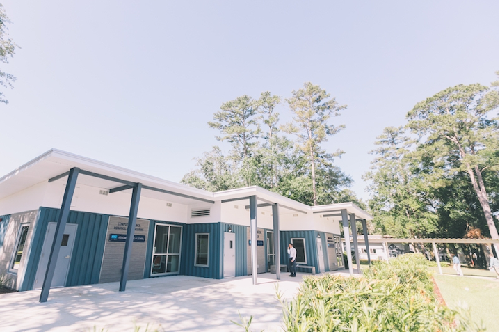 School in Florida Designs School Using Shipping Containers