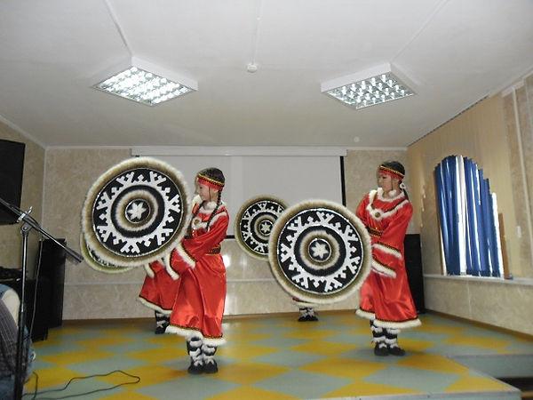 Танец с кумаланами