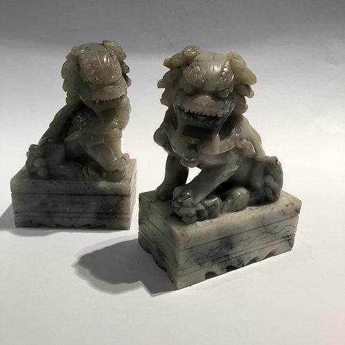 Tempel leeuwen handgemaakt in China. 12.5x8x5 cm