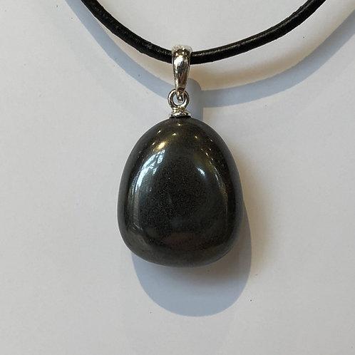 hematiet donker grijs hanger steen