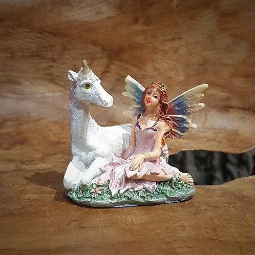 Fairy with unicorn elfje met eenhoorn figurine beeldje fantasy shop chimera