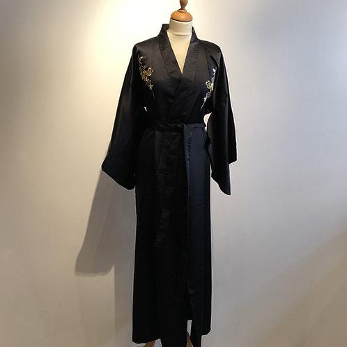 Traditionele Japanse Dames kimono gemaakt van 100% polyester. vogel