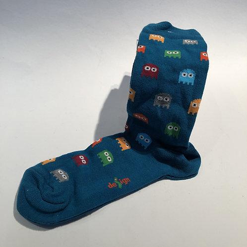 """Leuke coole sokken met """"Pac Man"""" . Wie heeft het spel in de jaren 80 niet gespeeld . rood zwart blauw"""