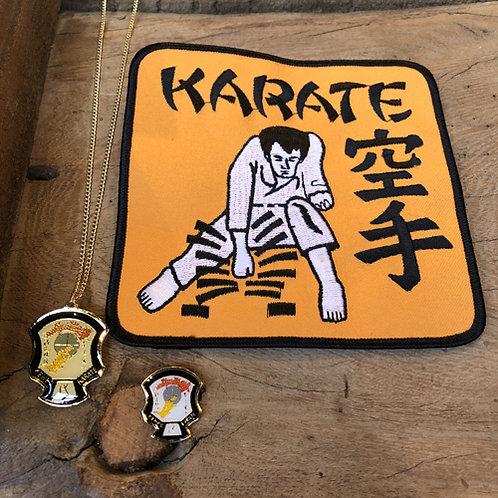 Set van drie Karate vechtsport artikelen.