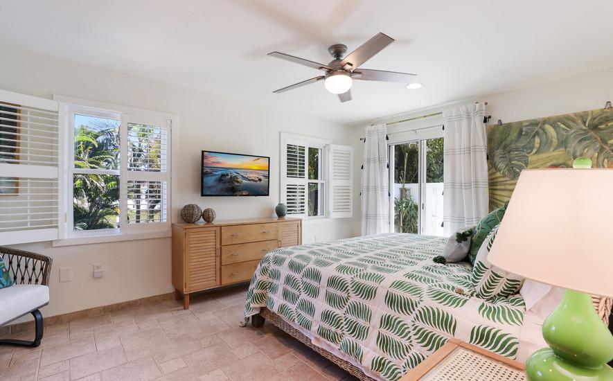 17_Master bedroom-King bed.jpg