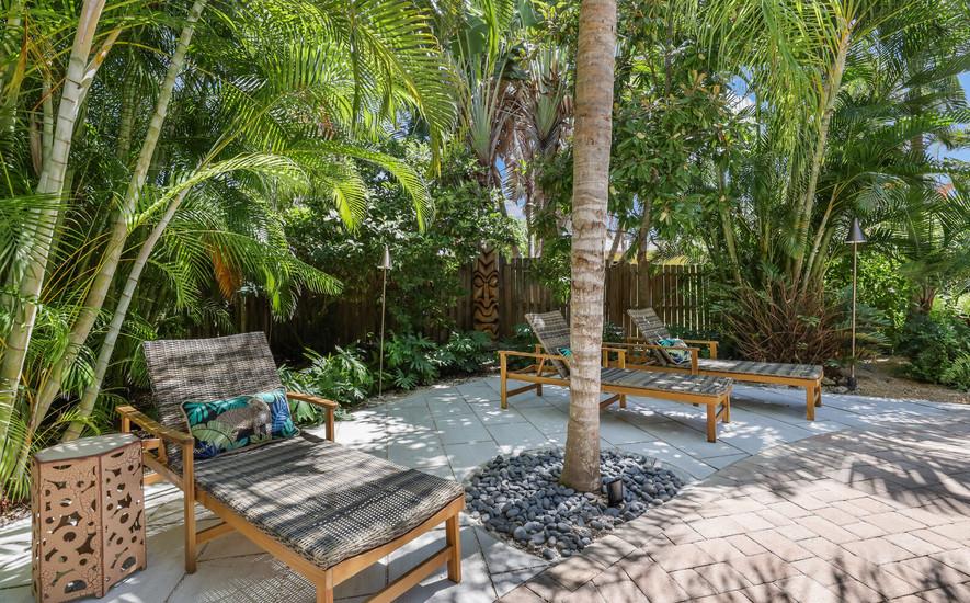 Luxury pool loungers