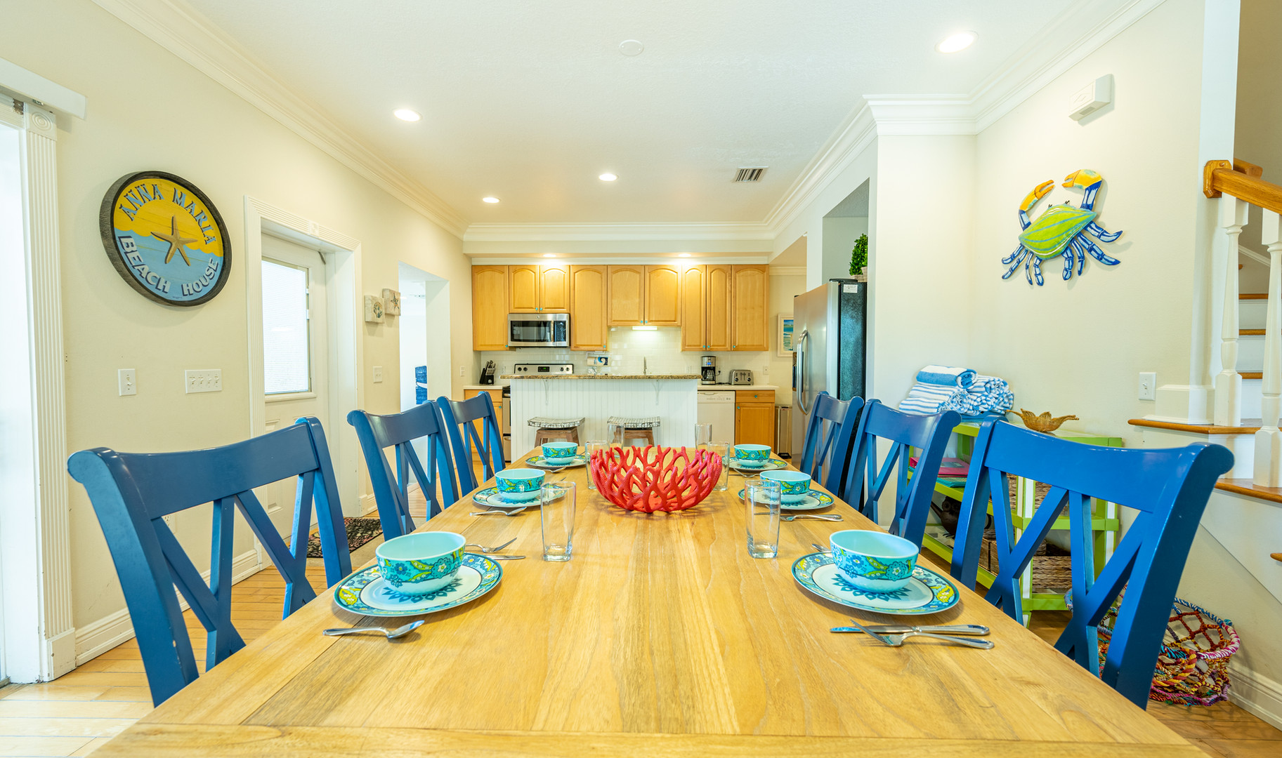 Cheerful dining area