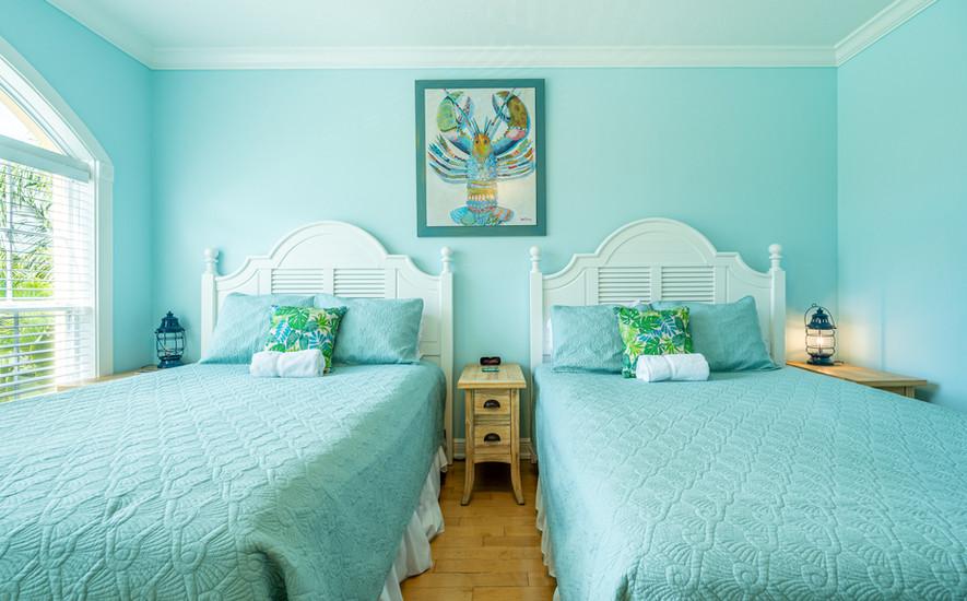 Comfortable queen beds