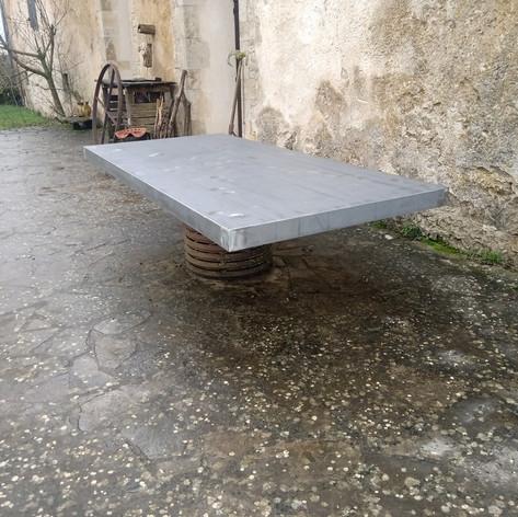 Fabrication d'un plateau de table en tôle