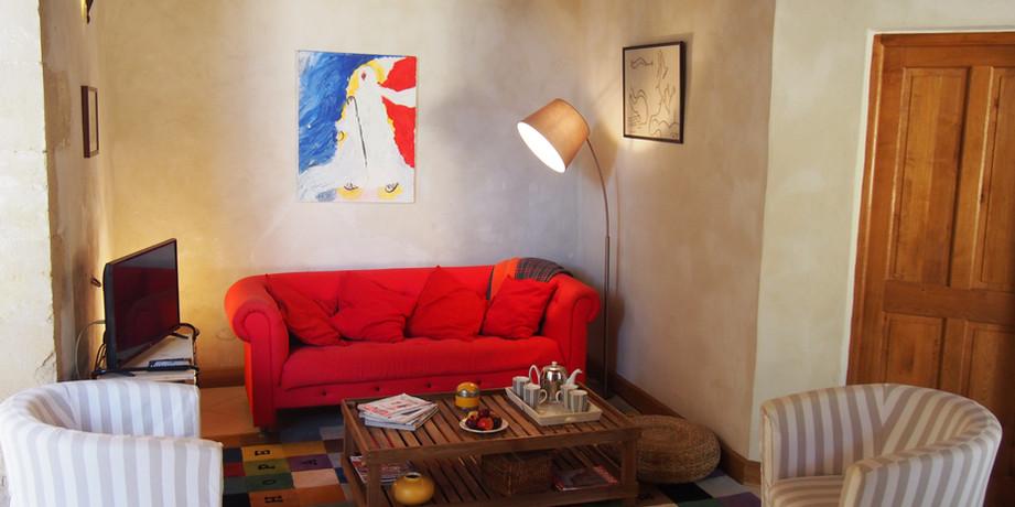 Petit salon, coin tv, les Ecuries