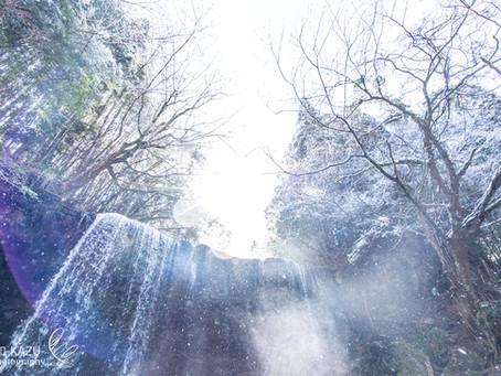 雪の鍋ヶ滝