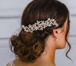 Wedding Veil - Headpiece flowers.jpg