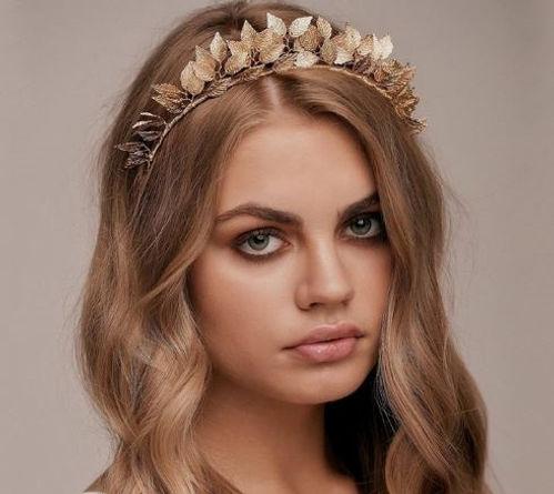 Wedding Veil - Headpiece Gold.jpg