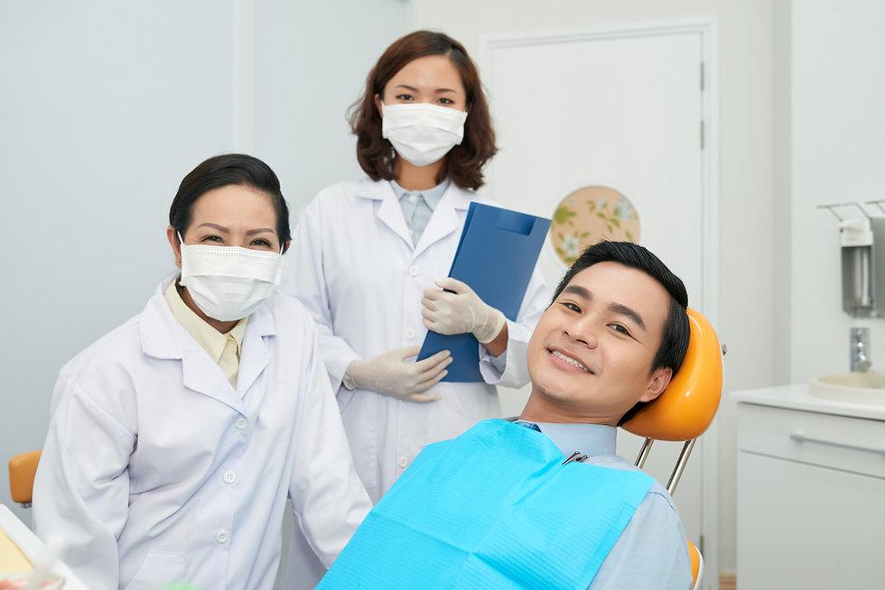 Dentist010 Alero_Licensed