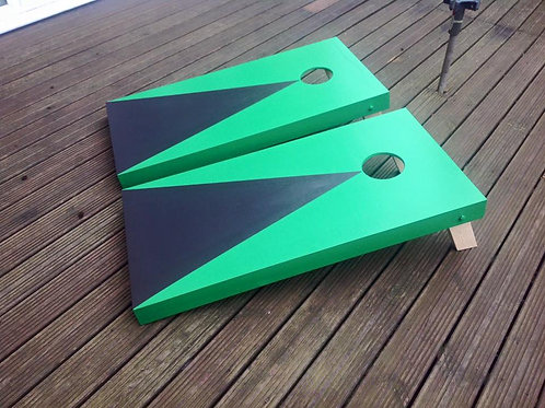 Large Painted Cornhole board with 8 x throwing bags