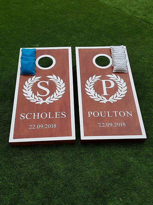 Personalised stained cornhole boards and 8 x throwing bags