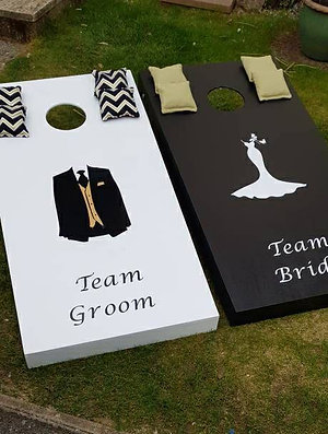 Large wedding Team Bride, Team Groom cornhole boards with 8 x throwing bags