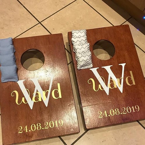 Mini personalised cornhole boards and 8 x throwing bags
