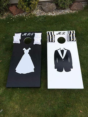 Wedding Mr & Mrs cornhole game