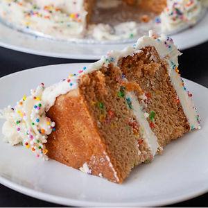 Funfetti cake 2.jpg