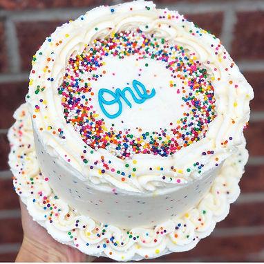 Funfetti cake 1.jpg
