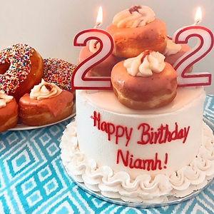 Donut cake 2.jpg