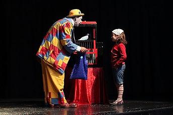 Barbiche avec La compagnie Lune à l'autre Spectacle enfant, spectacle de clown vaucluse