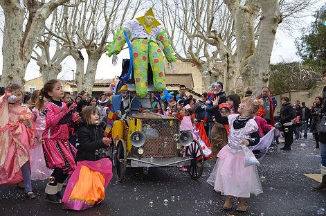 Le Tacot de Jojoavec La compagnie Lune à l'autre spectacle de clown, humour déambulation bouche du rhone