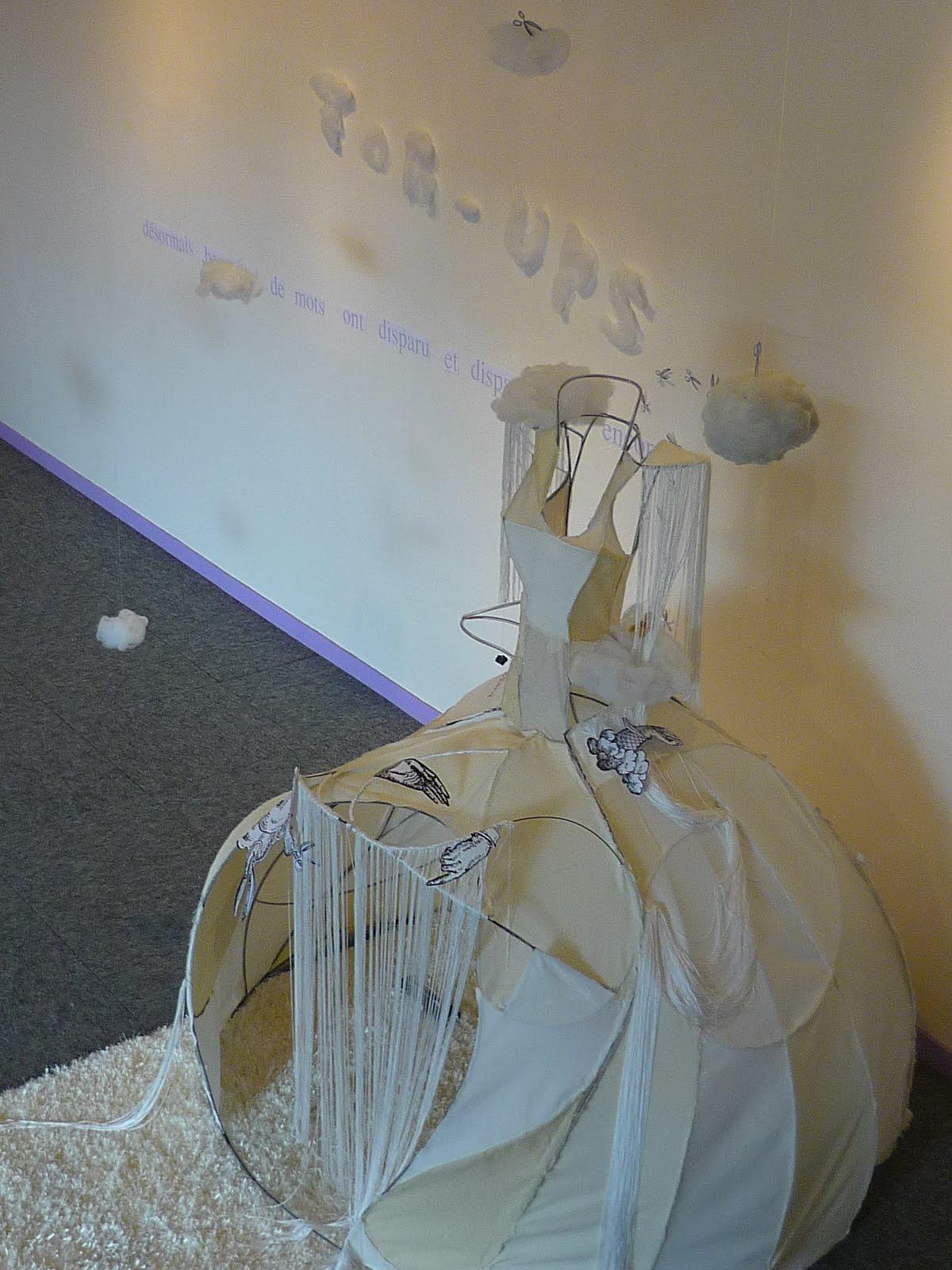 robe reine cabane tissus