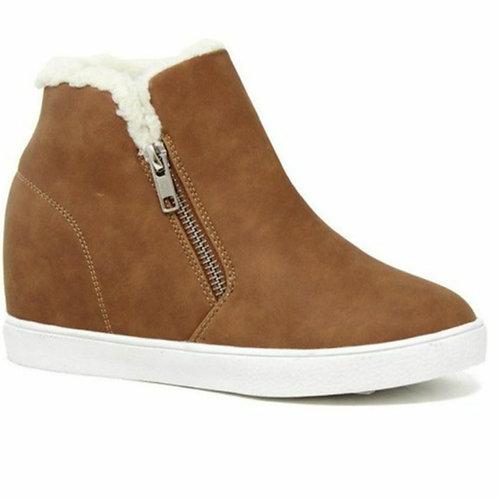 Girls Tan Sneaker w/ Zipper