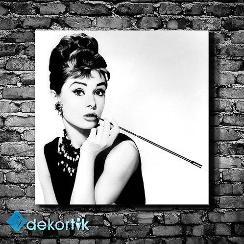 Black White Audrey Hepburn Tablo