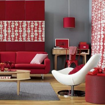 fonte: Simples Decoração [http://www.simplesdecoracao.com.br/2012/11/decoracao-combinando-parede-sofa-mesa-tapete/ ]