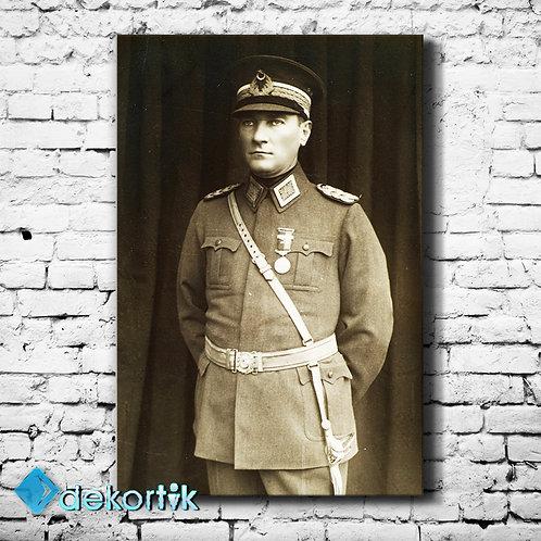 Baş Komutan Atatürk Tablo II