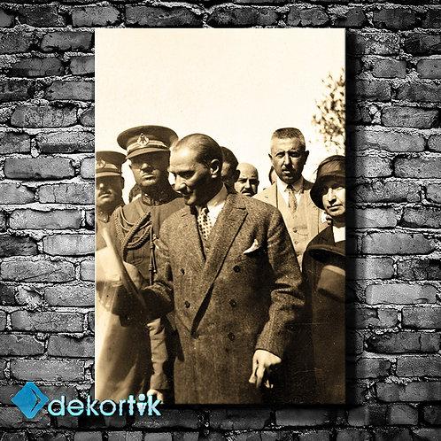 Mustafa Kemal Atatürk Tablo III
