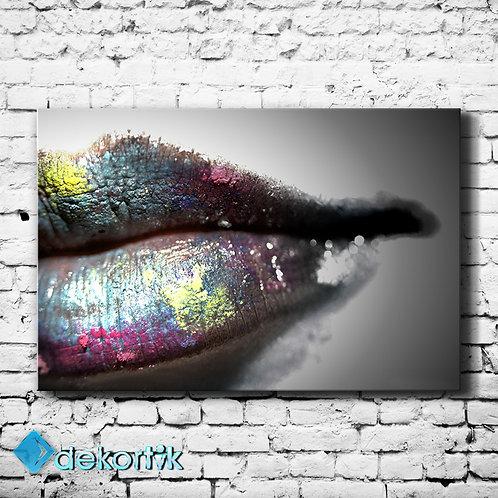 Grey Lip Tablo
