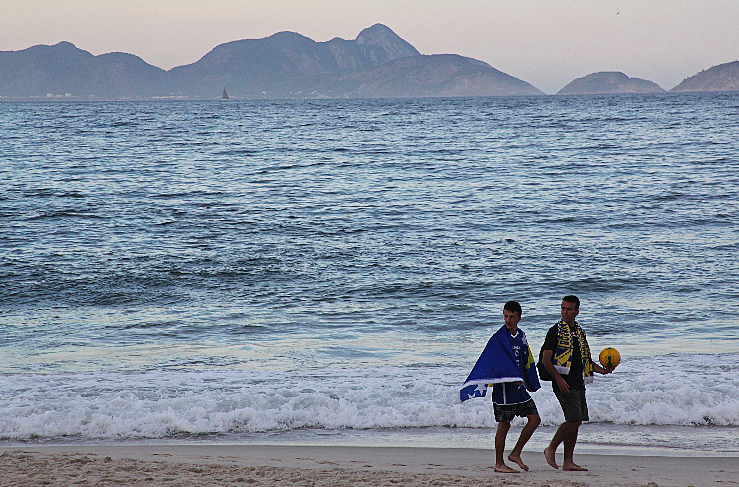 140614TorcedoresBosnia_Copacabana_RJ_2411PM