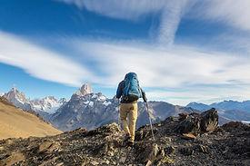 hike-in-patagonia-79QCNPU.jpg