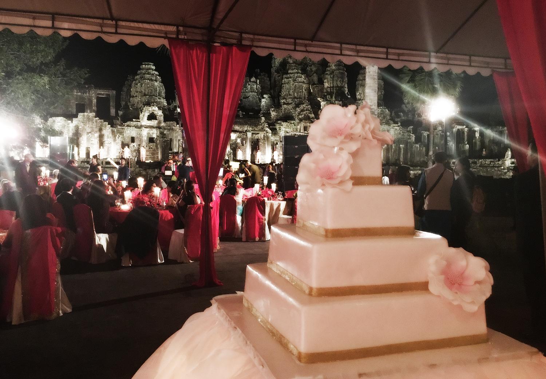 Bayon temple wedding cake