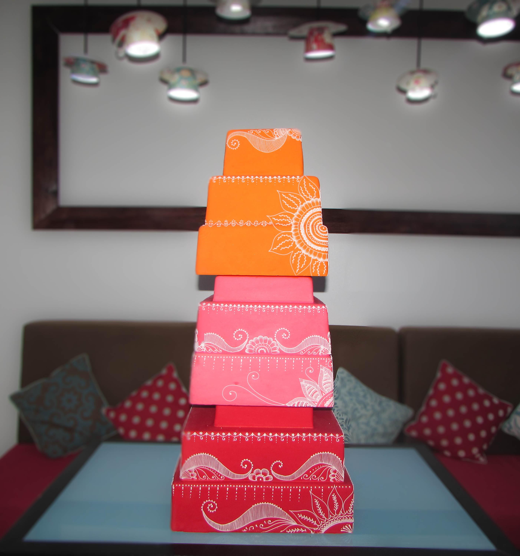 Mehndi display cake