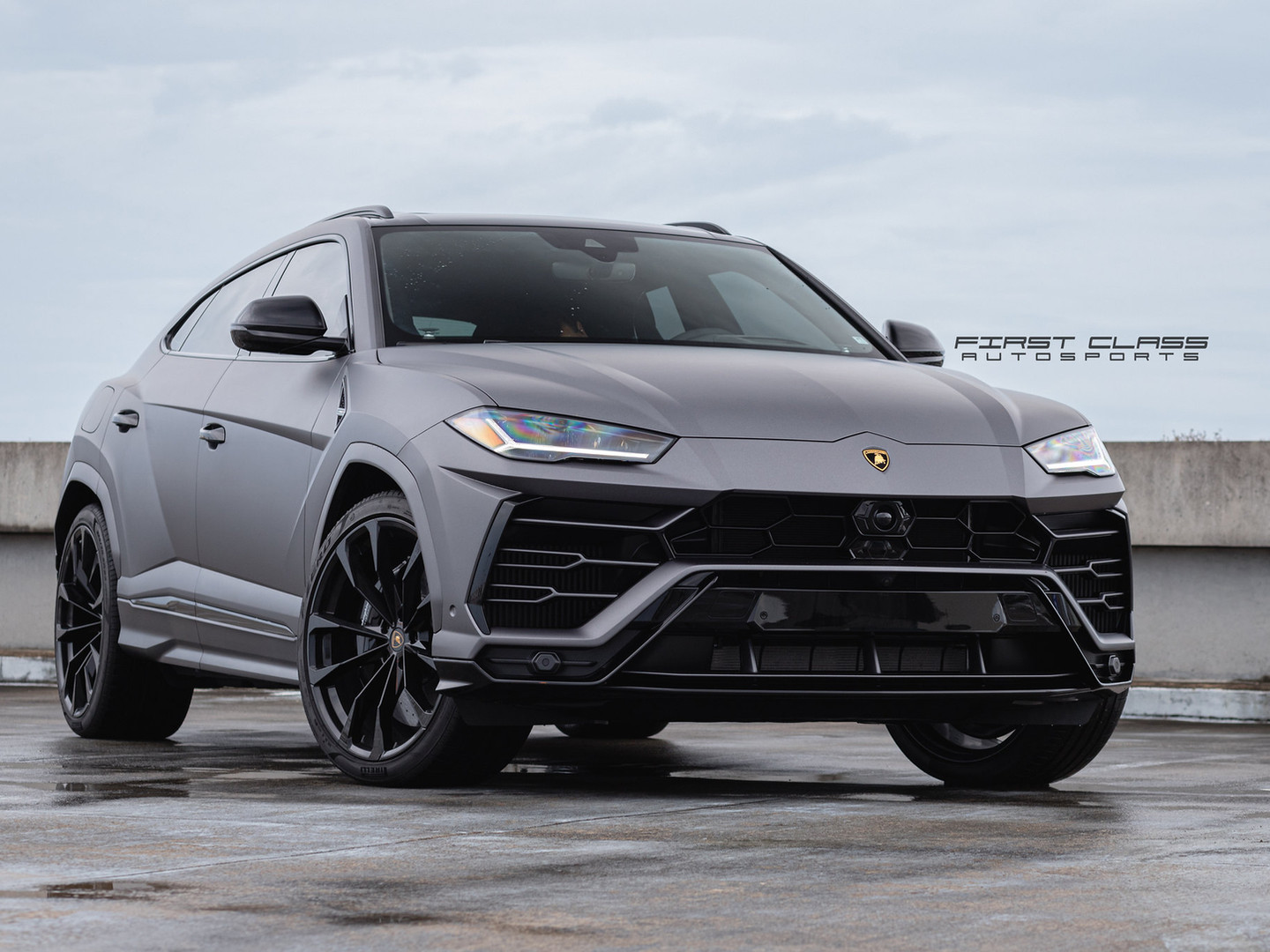 Lamborghini urus - Satin Car Wrap Miami