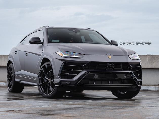 Lamborghini urus - Satin Car Wrap Miami