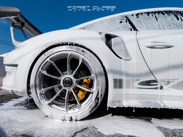 Porsche GT3 foam wash