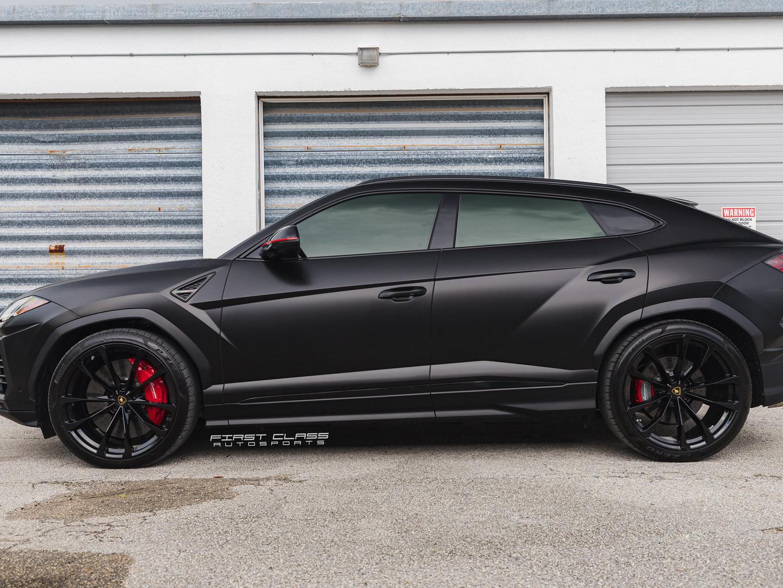 Lamborghini urus satin black wrap