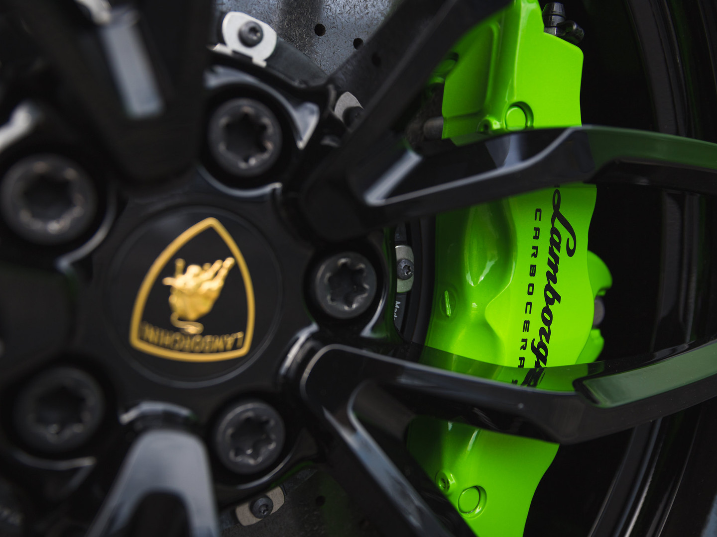 Lamborghini huracan wheel powder coated gloss black