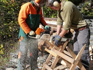 Die Dieli-hütte wird für den Winterbetrieb fit gemacht
