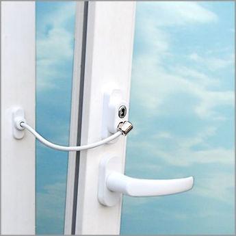 Ограничитель на окна с тросиком